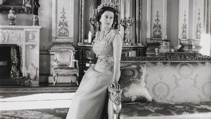 The Queen: Portraits of a Monarch