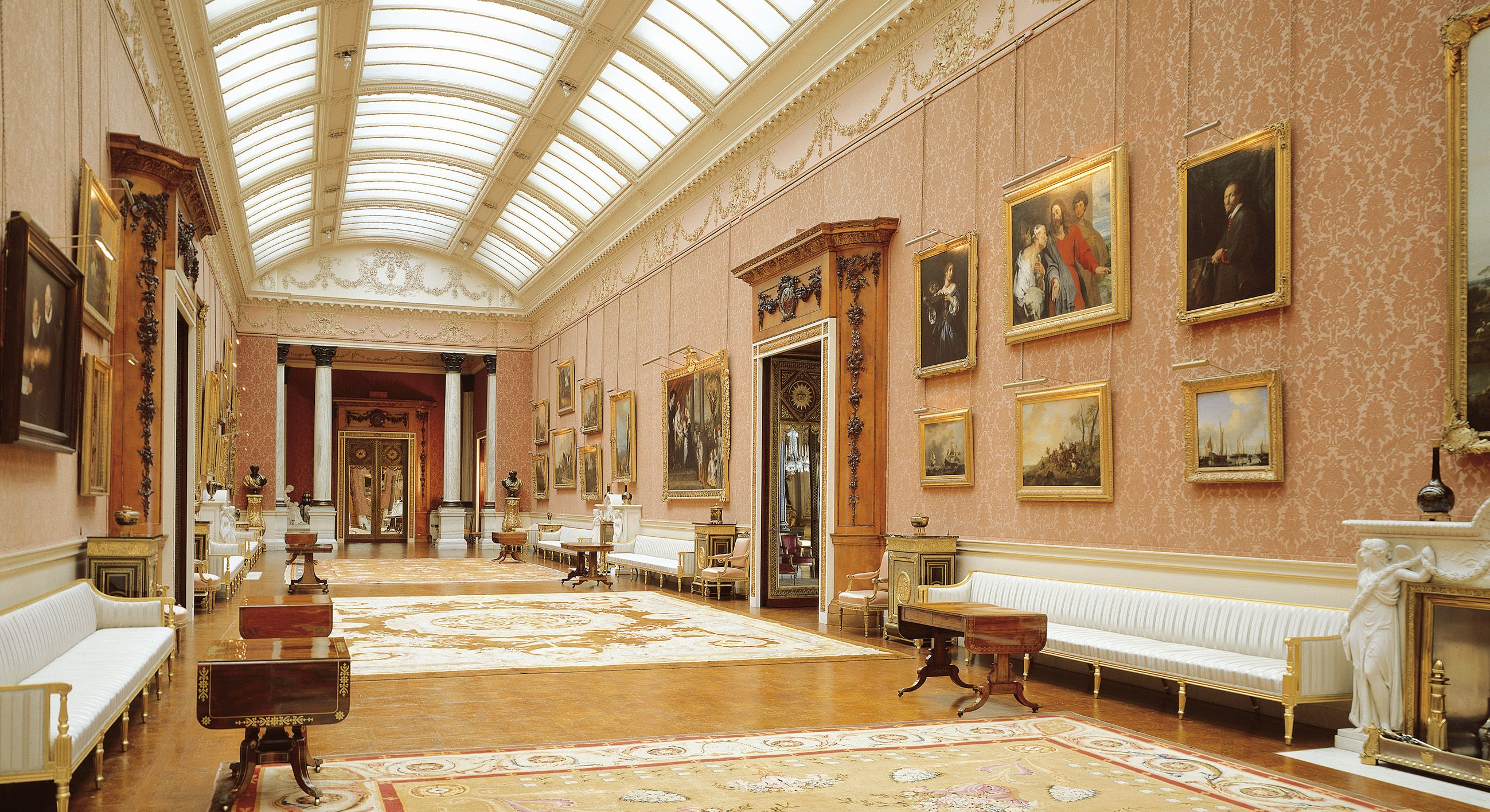 a new hang in the picture gallery at buckingham palace. Black Bedroom Furniture Sets. Home Design Ideas
