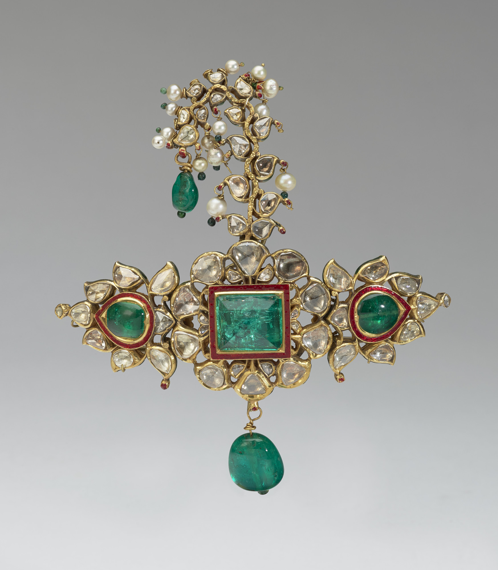kundan turban ornament with embedded and dangling emeralds Turban Ornament, ca. mid-19th Century, Udaipur, India