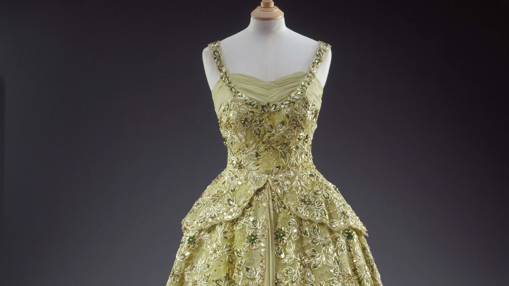 Fashioning a Reign: 90 Years of Style from The Queens Wardrobe