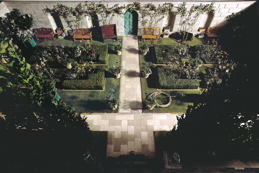 Queen Mary's Dolls' House Garden