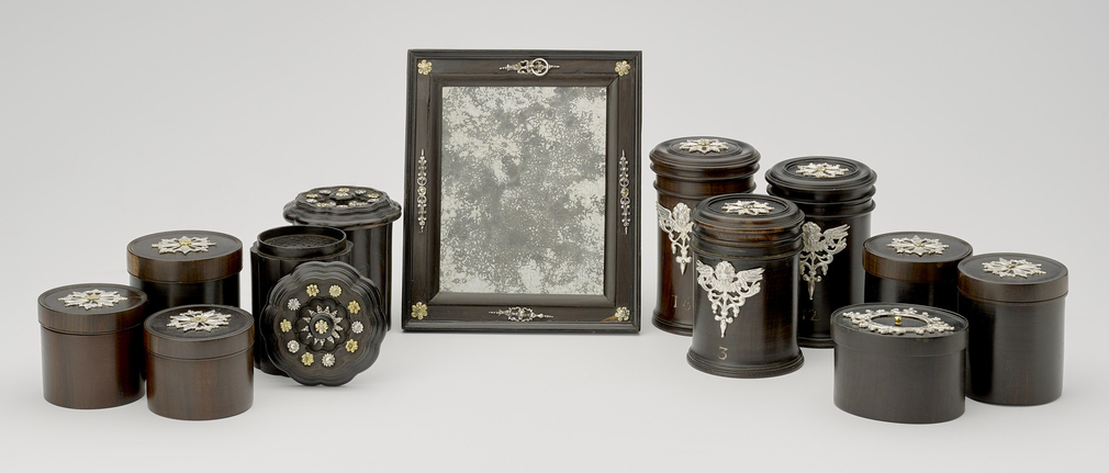 Selection of items inside Augsburg Medicine Chest