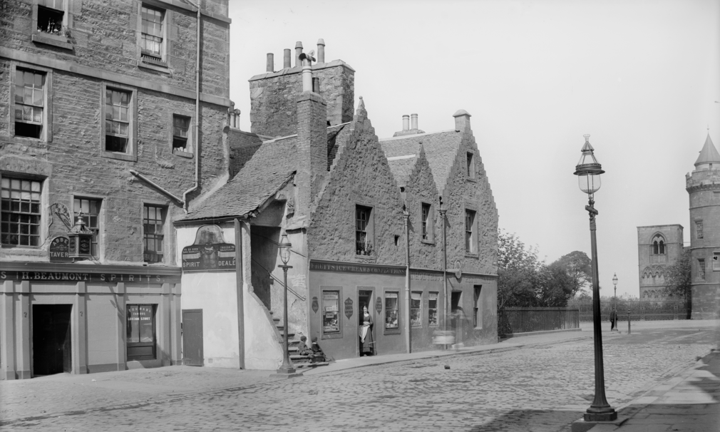 In 1890, the eastern end of Abbey Strand housed a restaurant, a confectioner's, a tavern and a spirits merchant, which also offered curious visitors a view of 'Lord Darnley's waistcoat'.