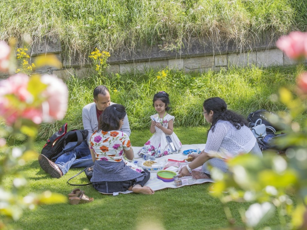 Moat Garden picnic