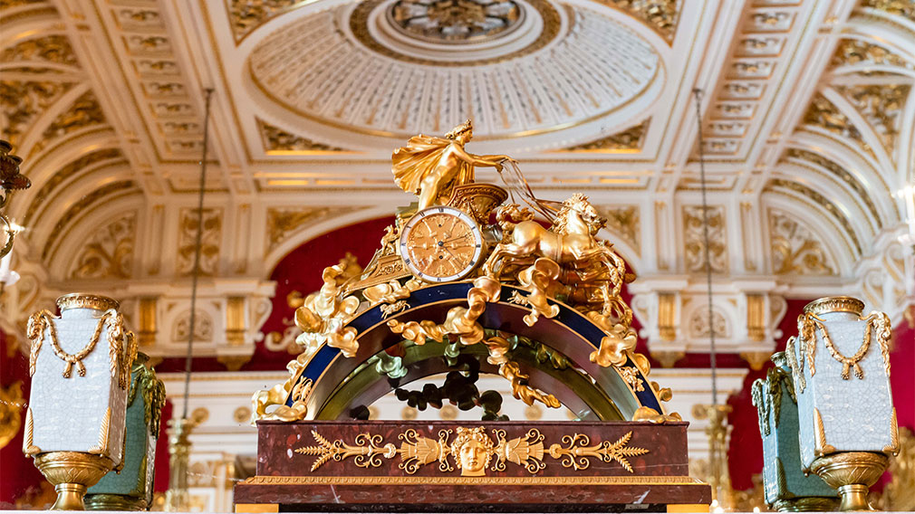 Clock in Buckingham Palace