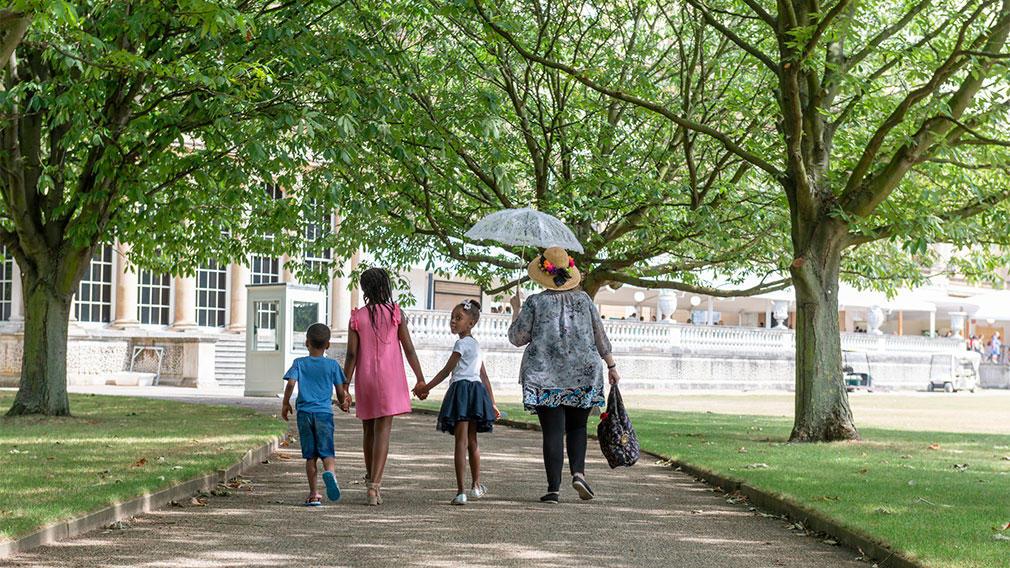Buckingham Palace garden