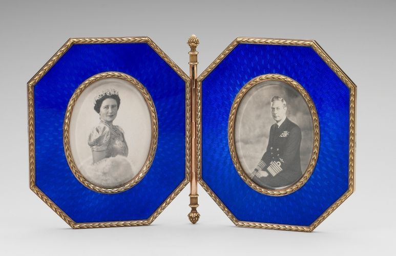 Frame holding photographs of George VI and Queen Elizabeth