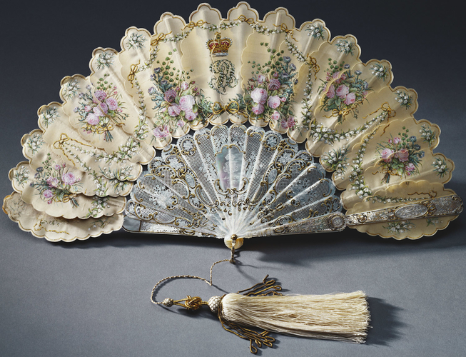 Queen Victoria's birthday fan
