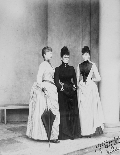 Photograph of Princess Victoria Mary of Teck with Princess Helene and Princess Marguerite d'Orleans, Sheen House, June 1889