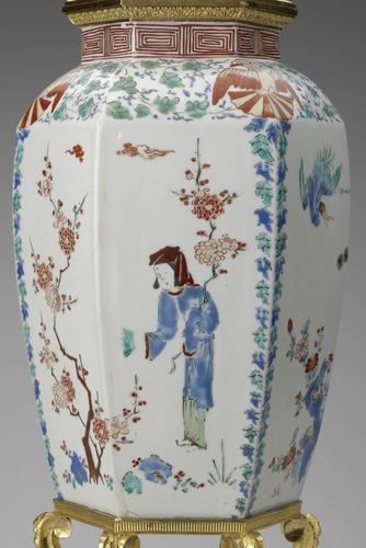 Master: Pair of vases Item: Hampton Court Vase