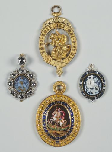 Order of the Garter (England). Sash Badge (Lesser George)