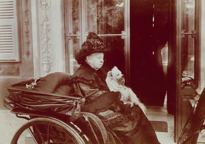 Queen Victoria with her dog, Turi