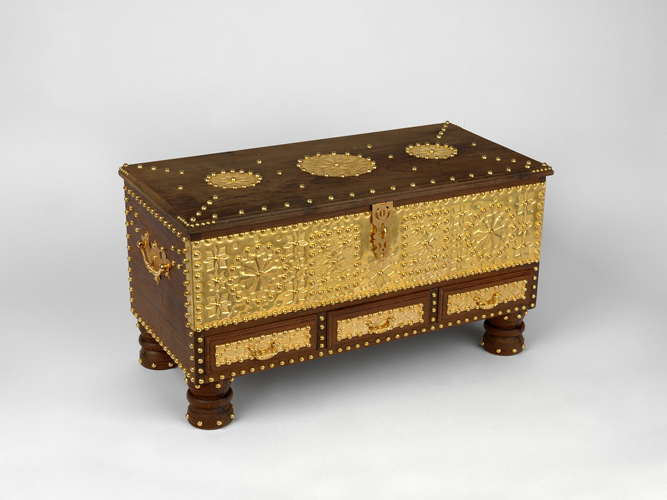 Small model of a dowry chest