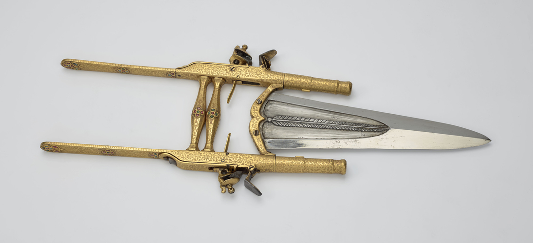 Punch dagger with pistols