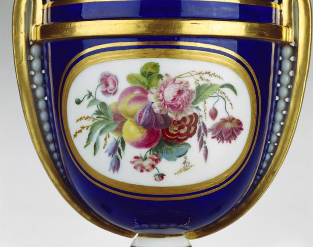 Master: Vase chapelet