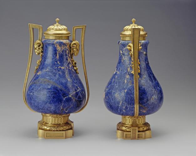 Master: Pair of vases