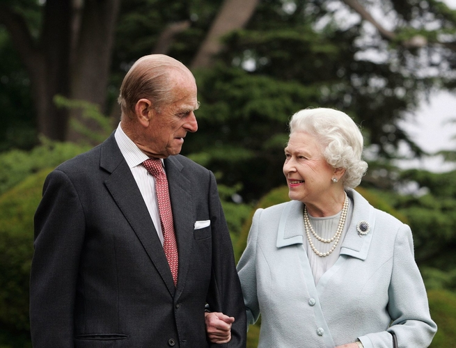 Diamond Wedding Anniversary photograph of HM Queen Elizabeth II and HRH The Duke of Edinburgh, November 2007