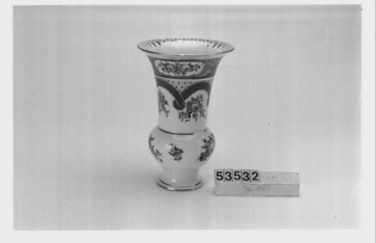 Dresden Porcelain Factory Spill Vase