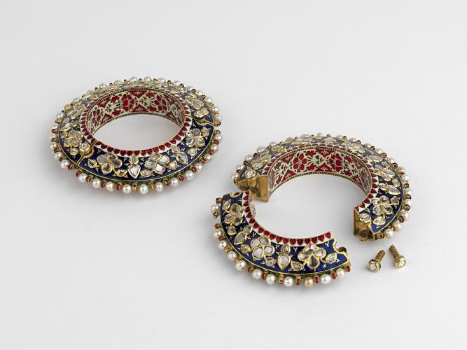 Pair of bangles