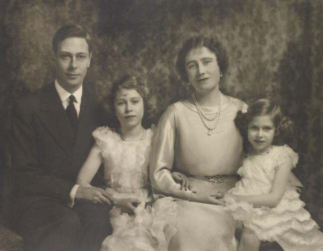 King George VI, Queen Elizabeth, Princesses Elizabeth and Margaret, 15 December 1936