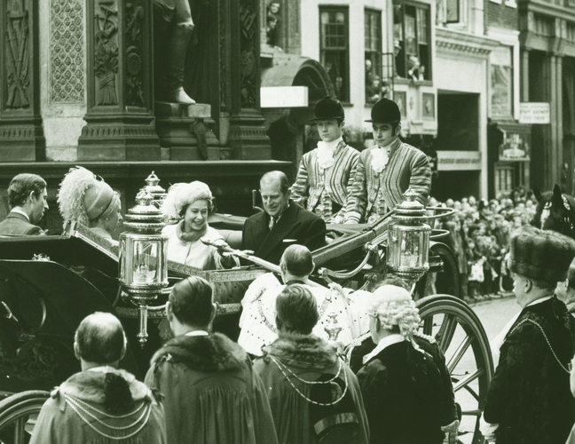 HM Queen Elizabeth and HRH The Duke of Edinburgh entering the City of London during their Silver Wedding celebrations, 20 November 1972