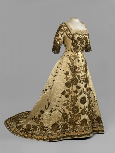 Queen Mary's Coronation Dress