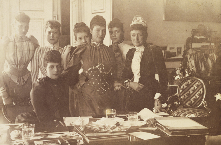 Empress Maria Feodorovna, Queen Louise of Denmark and the Princess of Wales with others in Denmark
