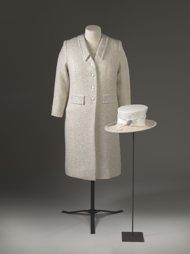 Master: Dress, coat and hat
