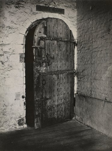 'Little Ease', torture cell beneath the White Tower
