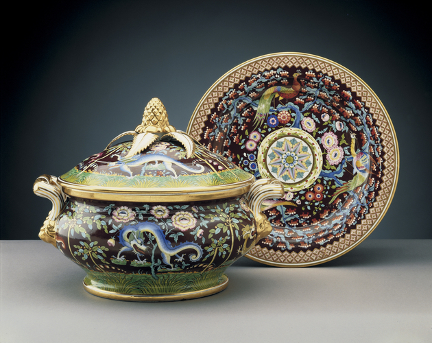 Tureen, cover and stand (part of the Harlequin service)