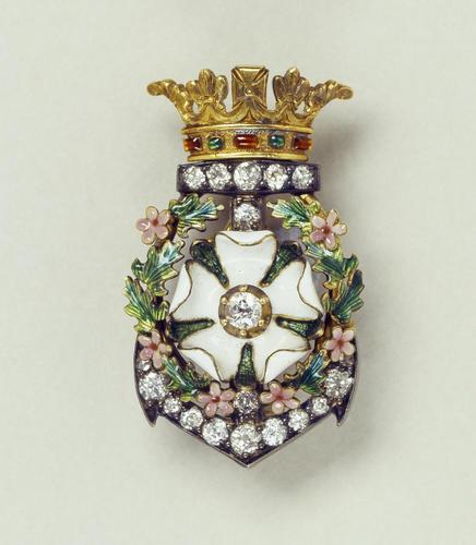 Rose of York brooch