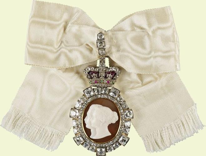 Royal Order of Victoria & Albert: Princess Helena's Badge