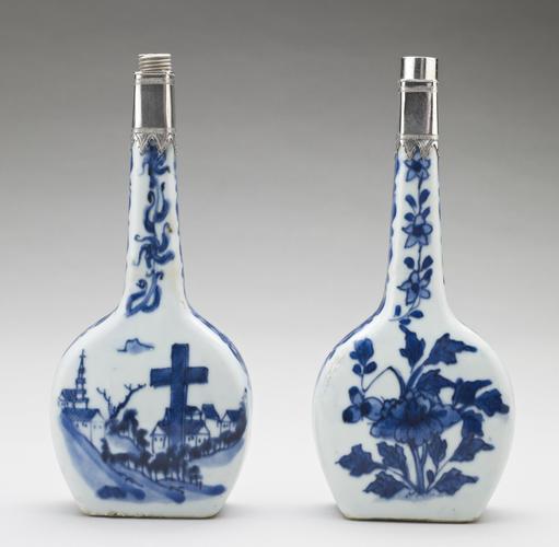 Master: Pair of flasks