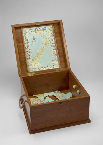Master: Hand-painted jigsaw in a box