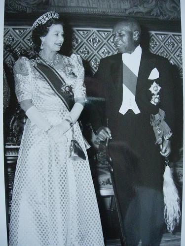 HM the Queen meets President Kamuzu Banda, 1985