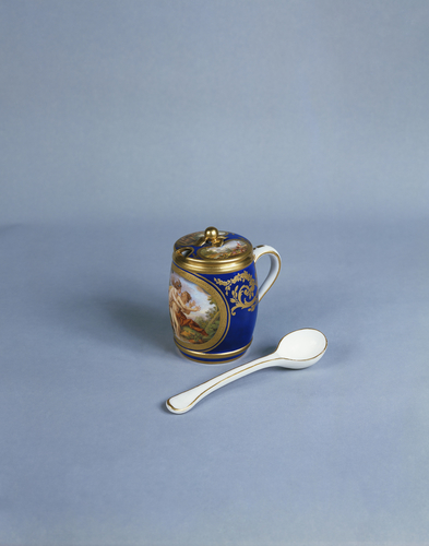 Master: Moutardier and spoon (part of the Louis XVI dinner service)