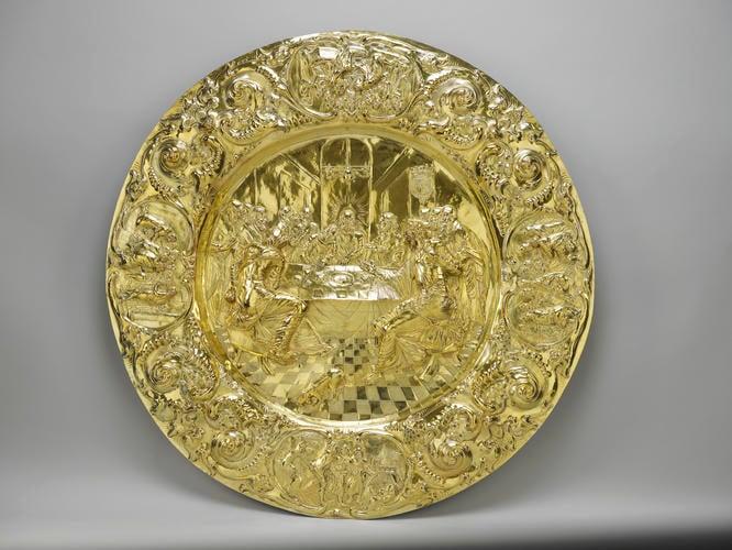 Altar dish