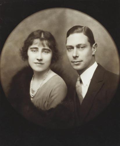 Engagement photograph of Prince Albert, Duke of York and Lady Elizabeth Bowes-Lyon