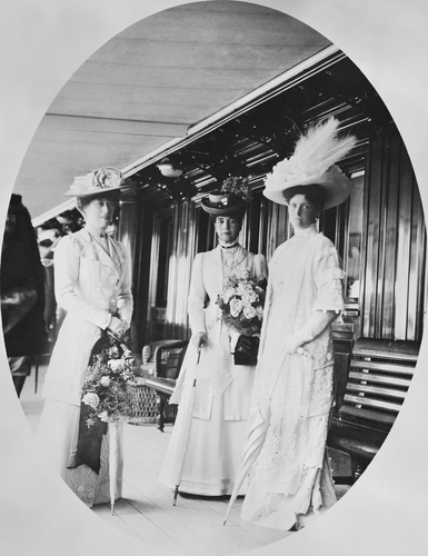 Queen Alexandra, Princess Victoria and Alexandra Feodorovna, Empress of Russia on the deck of the Russian Imperial Yacht Standart during the Cowes Regatta, 1909