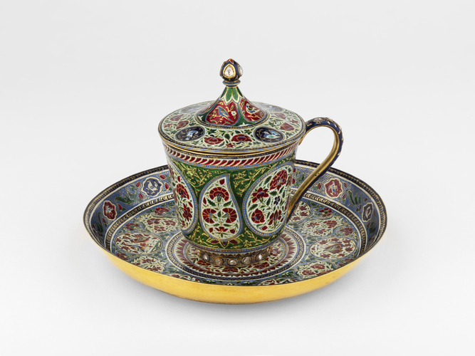 Master: Cup, cover and saucer