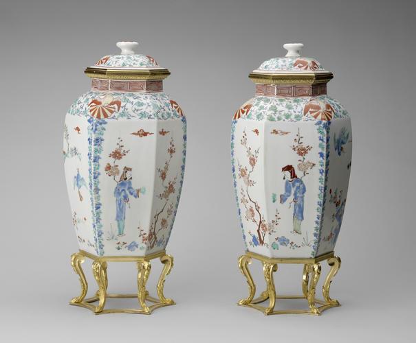 Master: Pair of vases with mounts Item: Hampton Court Vase