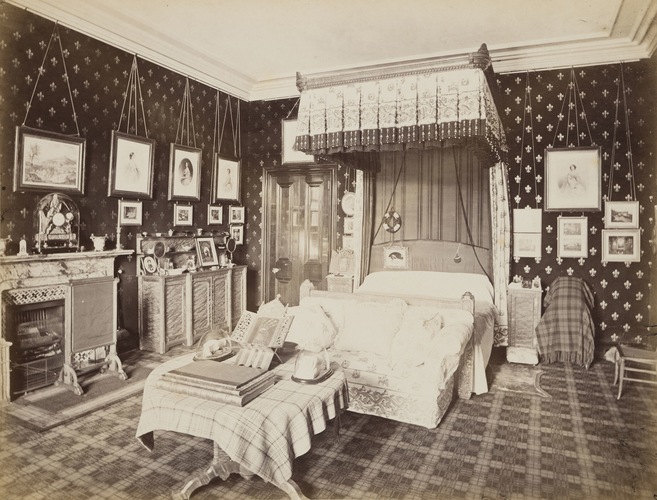 Queenu0027s Bedroom, Balmoral. [Photographs Of Balmoral In The Time Of Queen  Victoria.