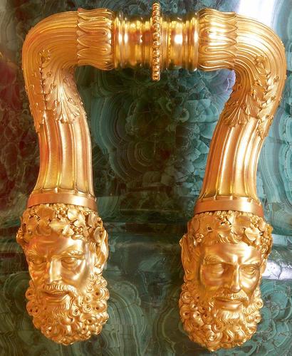 Vase and pedestal