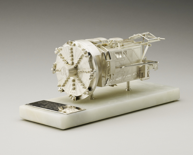 Model of a tunnelling machine