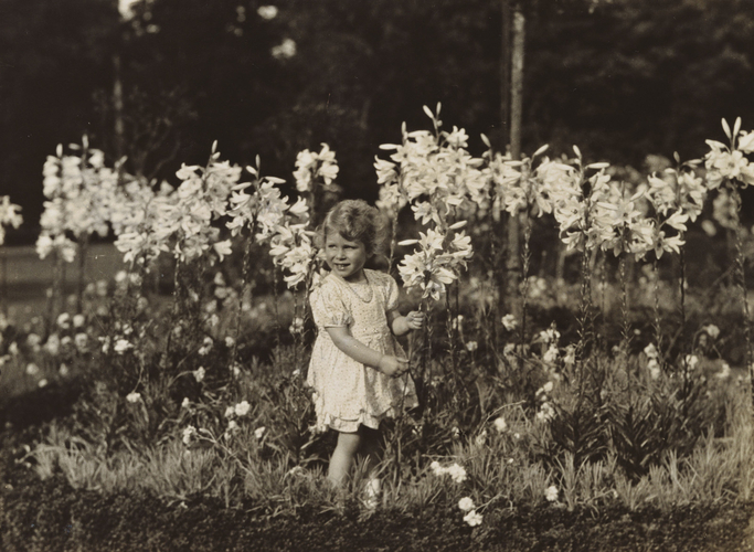 Princess Elizabeth (b. 1926) with lilies, 1929