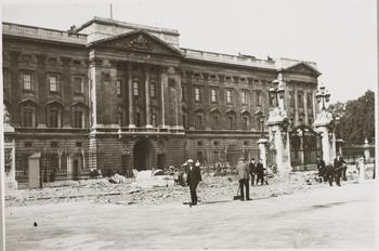 Bomb damage at Buckingham Palace
