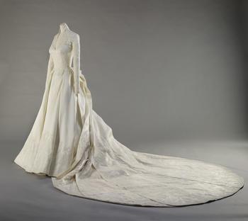 Hrh The Ss Of Cambridge S Wedding Dress