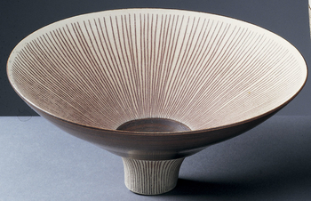 The Austrian-born ceramic artist Lucie Rie was the outstanding potter working in England in the second half of the twentieth century. Born Lucie Gomperz in 1902, she had studied at the Vienna Kunstgewerbe-Schule between 1922 and 1926, marrying in the latt