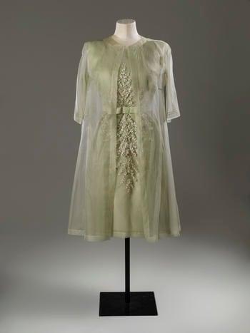 Coat, light green organza, round neck, 3/4 sleeves, no fastenings