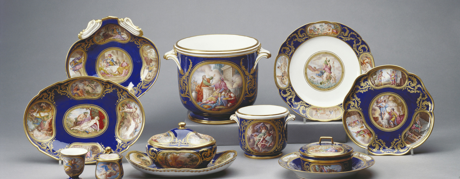 This service, of which the items in the Royal Collection form part,was themost costly and sumptuousever created at Sèvres in the eighteenth century.It was intended to take 23 years to complete and was the swansong of the gre